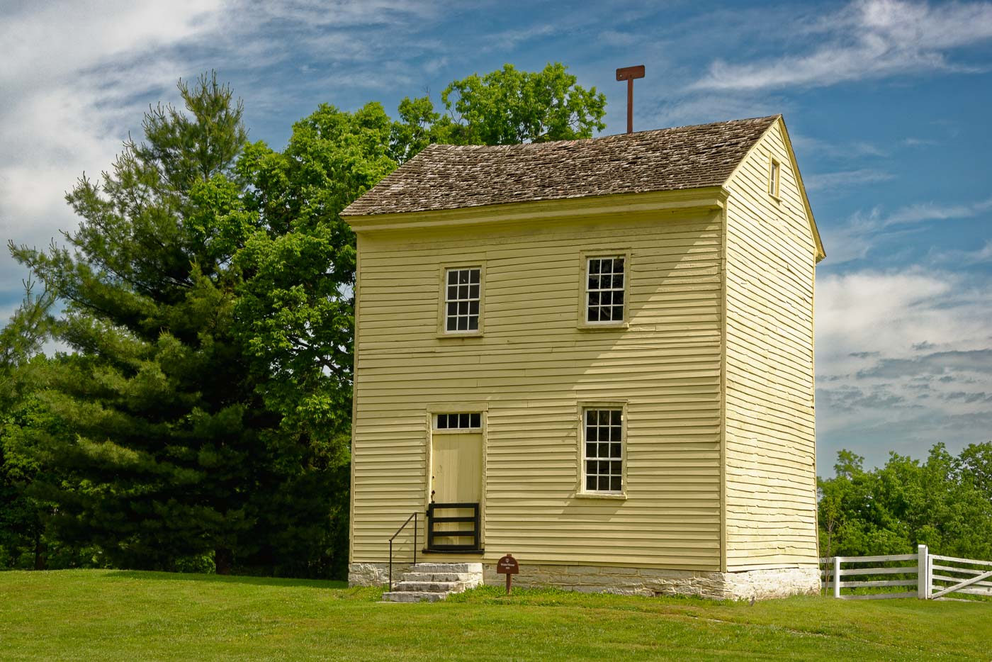 discovering the shaker village of pleasant hill | hardiman images